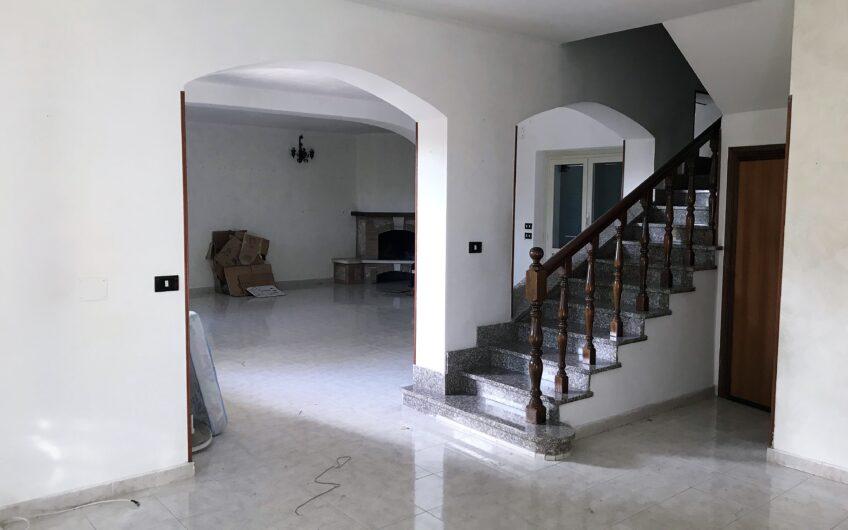 Villa: Grottaferrata Via di Valle Marciana