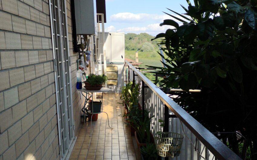 QUATTRO LOCALI: Monte spaccato Via Cornelia